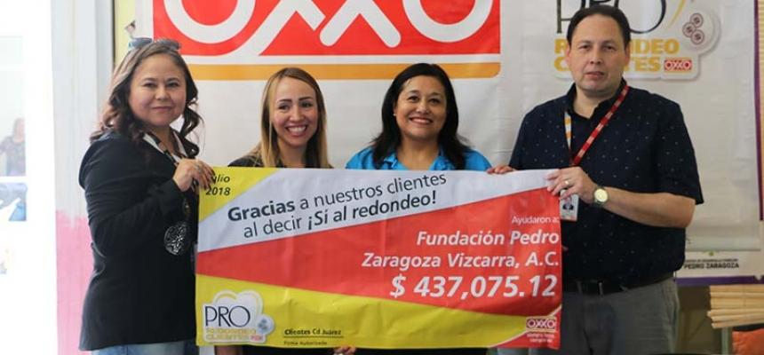Entrega de cheque simbólico del Programa de Redondeo Clientes OXXO - FPZ